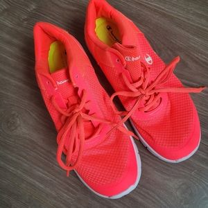 Champion Sneakers in Neon Pink